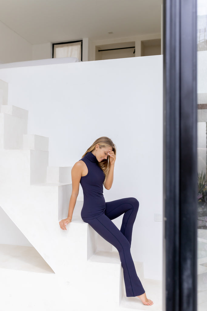 Gravity Flared Tights | Deep Blue Moonstone