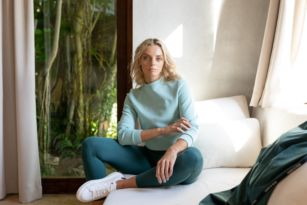 Gravity Cropped Signature Sweater | Light Green Jade