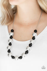 Top Pop Paparazzi Accessories Necklace with Earrings