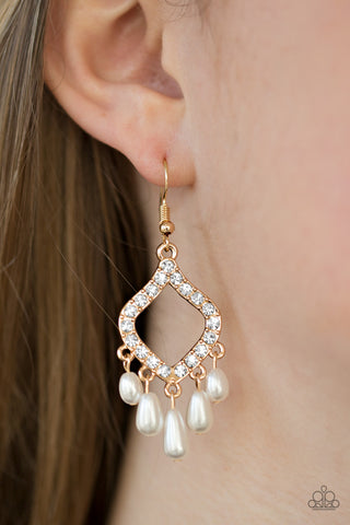 Paparazzi Accessories - Divinely Diamond Earrings