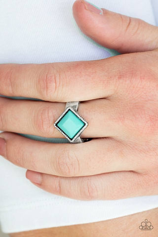Stylish Fair and Square Ring
