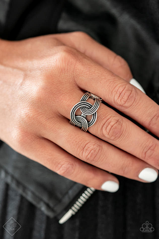 Join Forces Paparazzi Accessories Ring