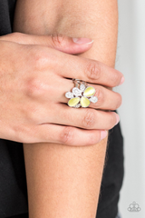 Diamond Daisies Paparazzi Accessories Ring