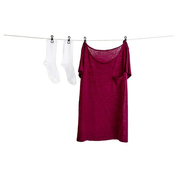 Clothesline with pegs