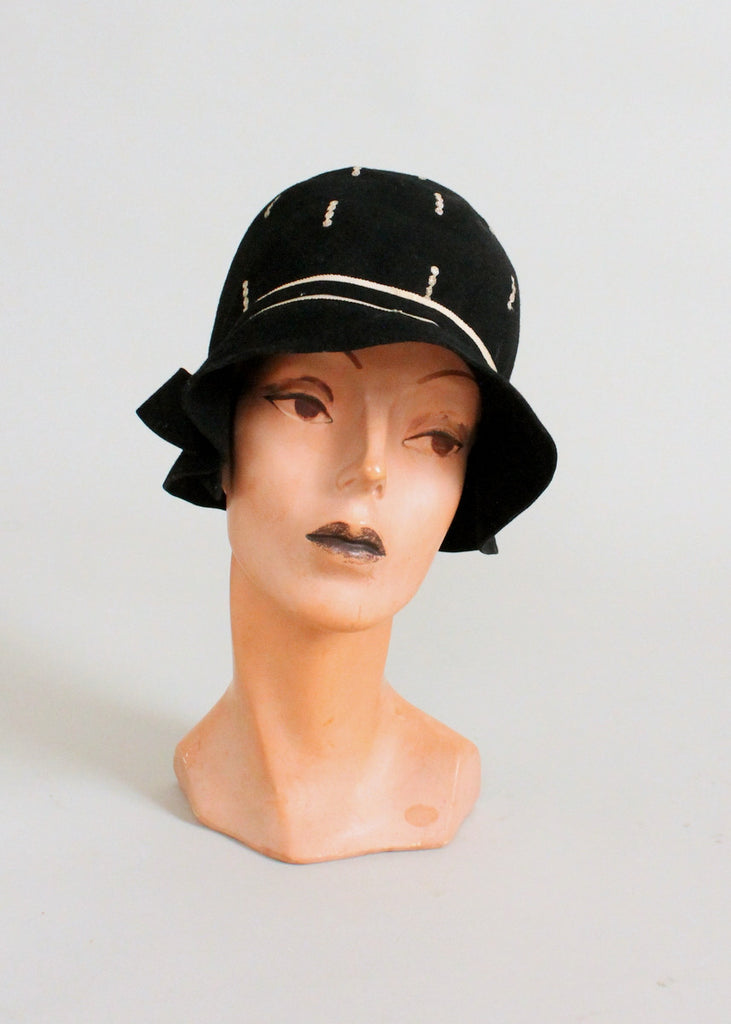Vintage 1920s Embroidered Black Felt Cloche Hat