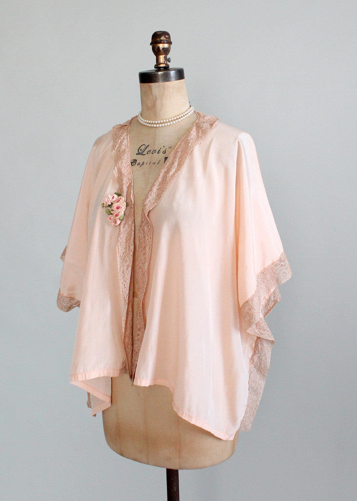 Vintage 1920s Peach Silk and Lace Bed Jacket
