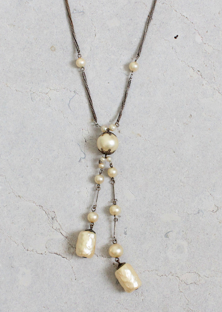 Vintage 1920s Barrel Pearl Dangle Necklace