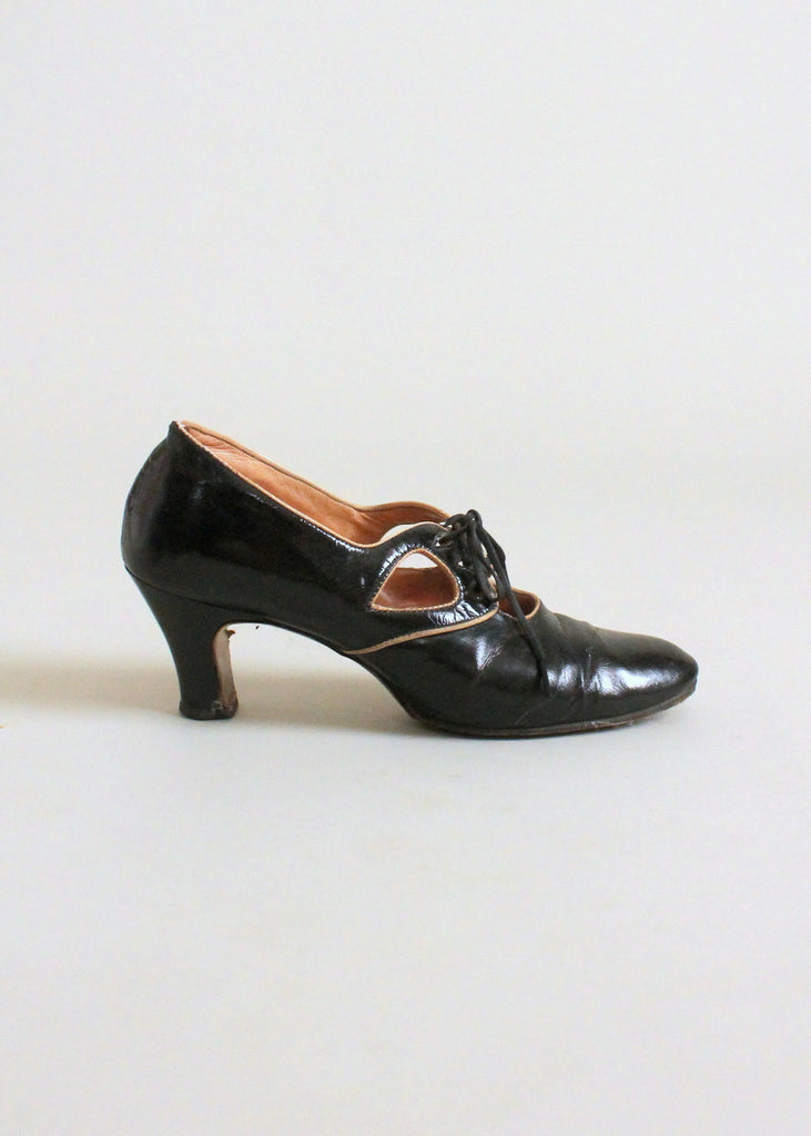 Vintage 1920s Black and Tan Leather Shoes