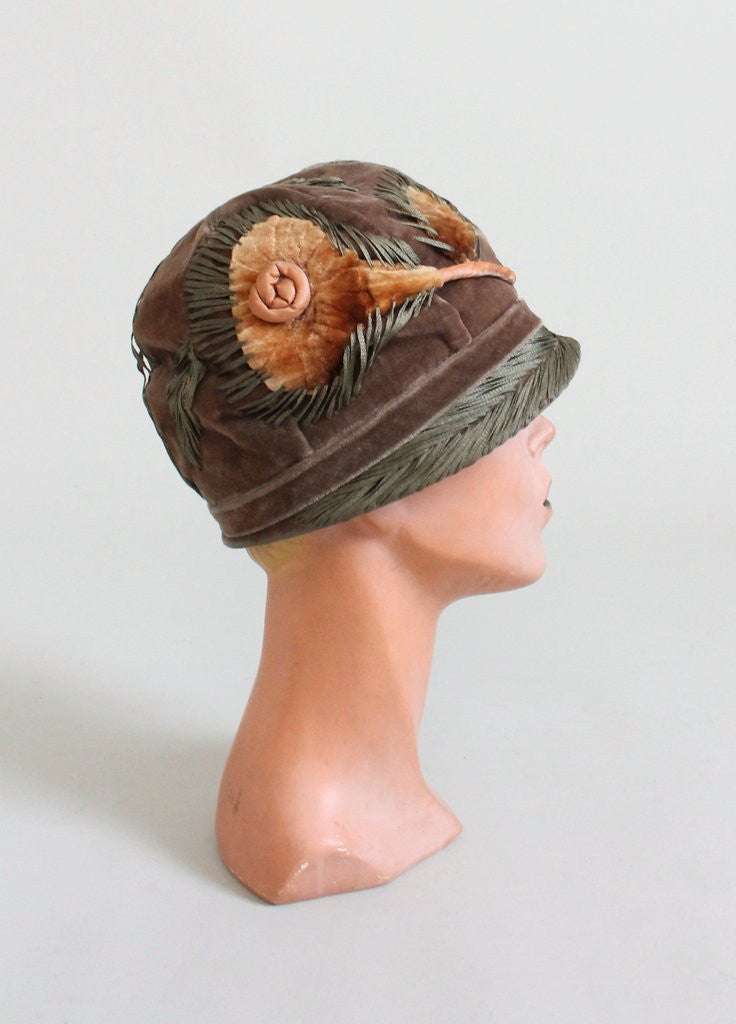 Vintage 1920s Autumn Flowers Velvet Cloche Hat