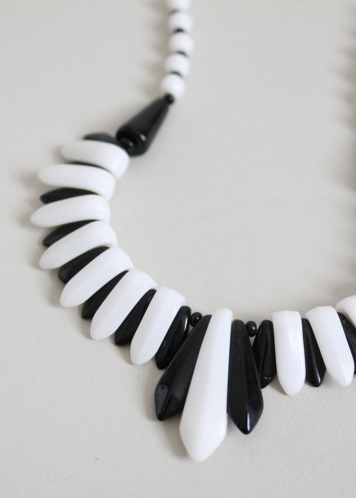 Vintage 1930s Art Deco Black and White Glass Necklace