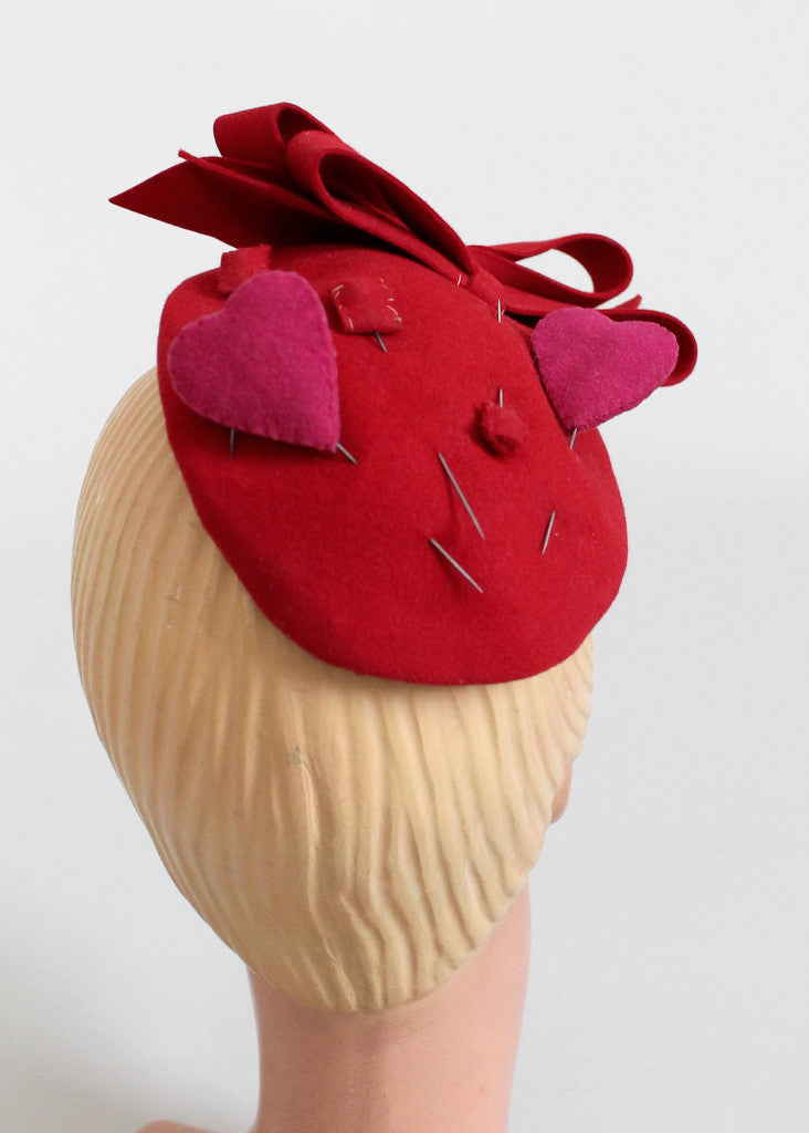 Vintage 1930s Red Bows, Hearts, and Squares Felt Hat