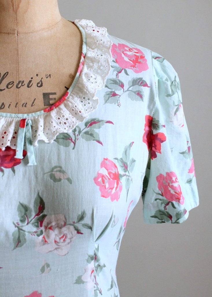 Vintage 1930s Pink and White Rose Floral Day Dress