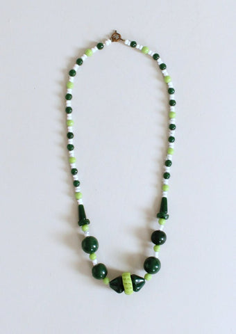 Vintage 1930s Green Glass Necklace