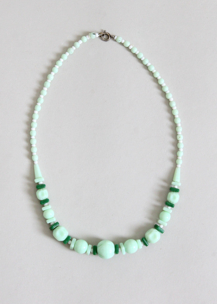 Vintage 1930s Jade Green Glass Necklace
