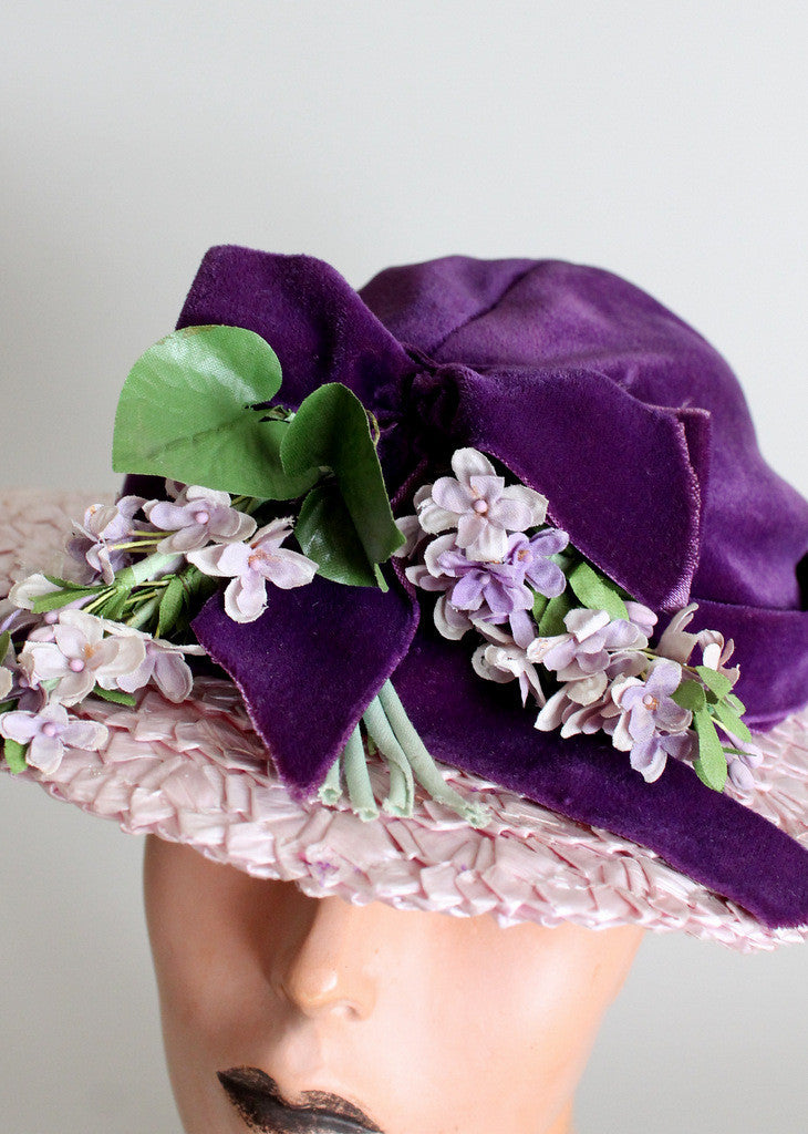 Vintage 1940s Purple Wisteria Straw and Velvet Hat