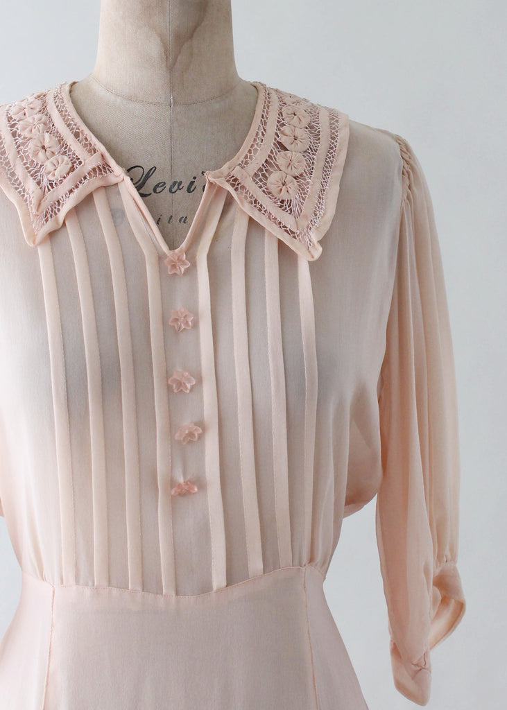 Vintage 1930s Peach Sheer Silk Crepe Day Dress