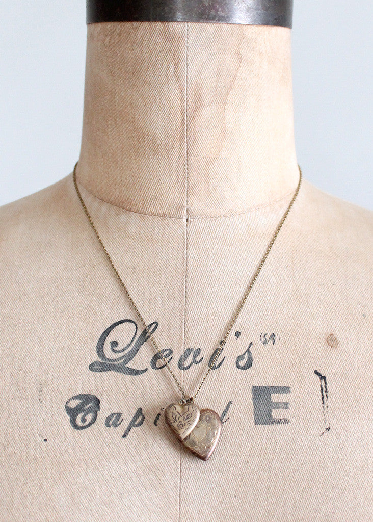 Vintage 1940s Double Sweetheart Locket Necklace