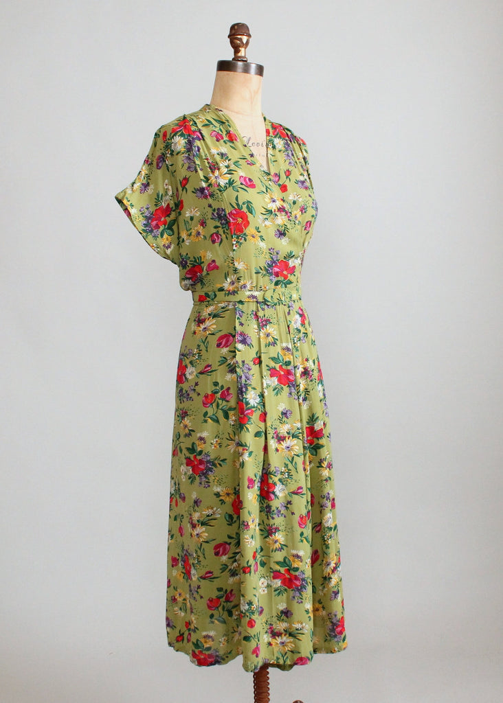 Vintage 1940s Green Floral Rayon Day Dress