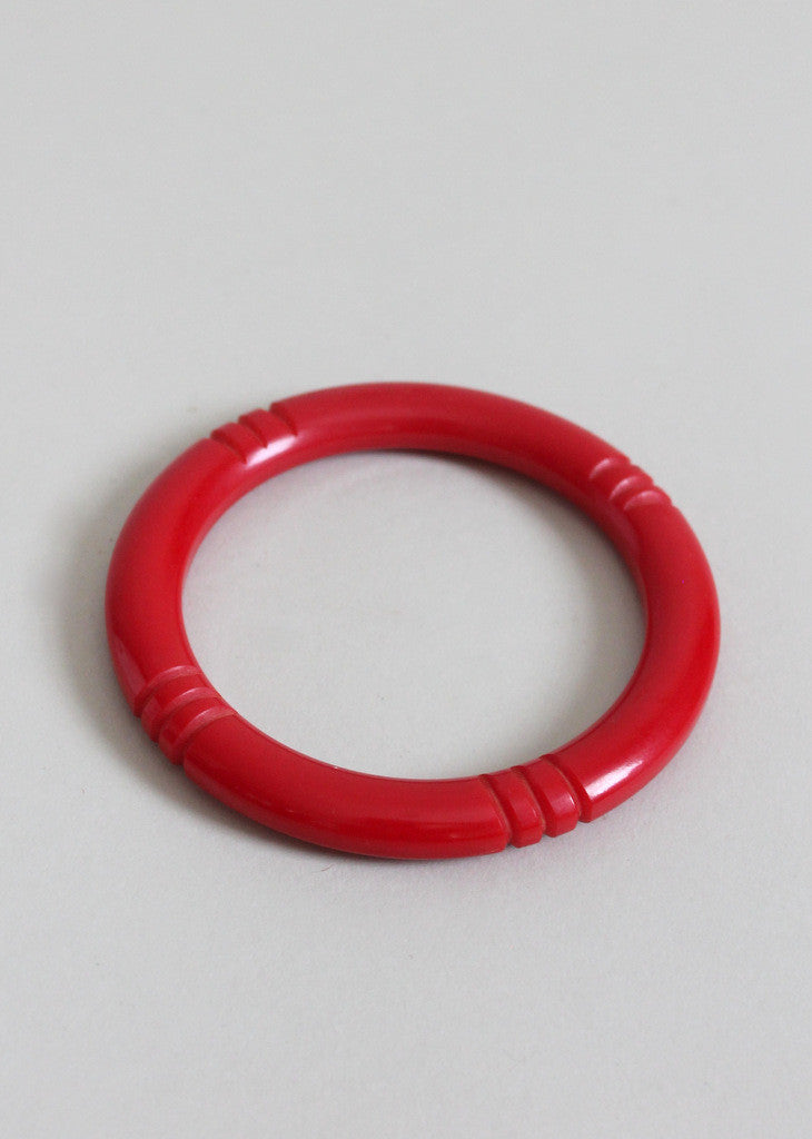 Vintage 1940s Red Carved Bakelite Bangle Bracelet