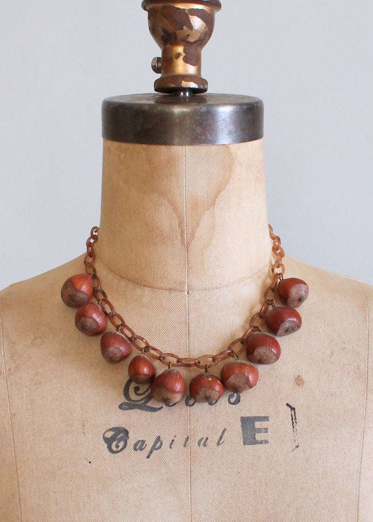 Vintage 40s hazelnut celluloid necklace