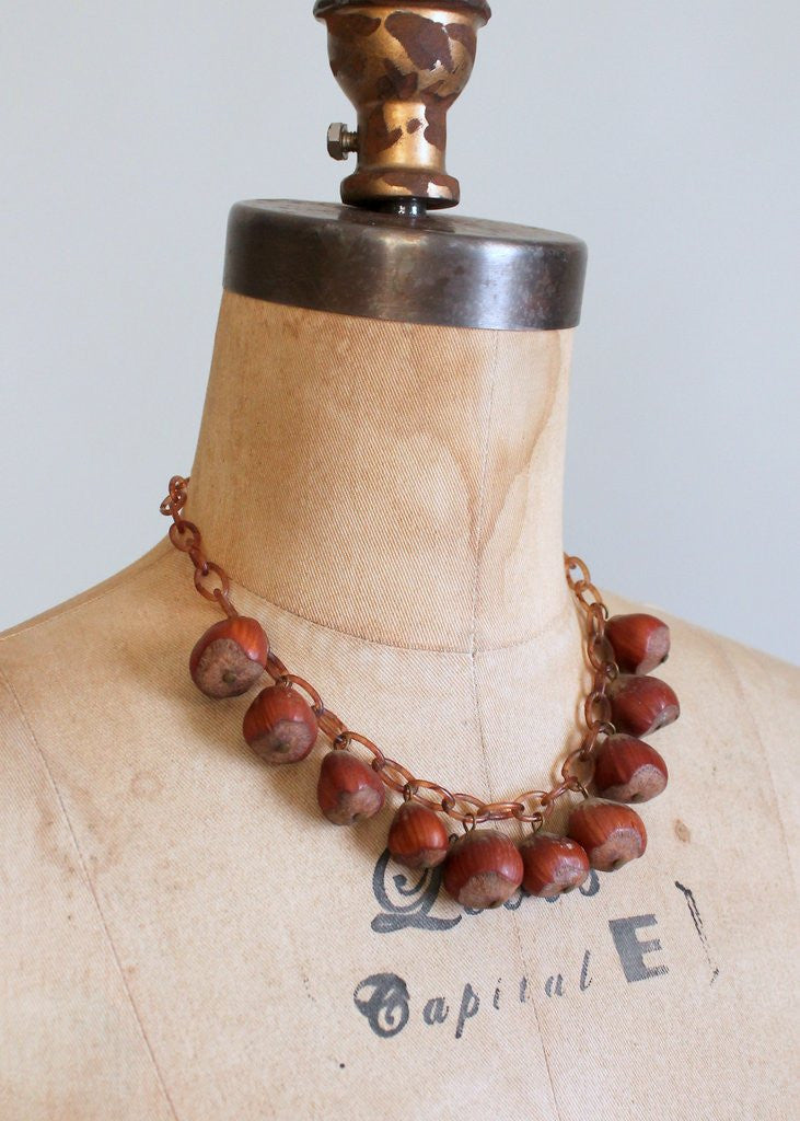 1940s hazelnut and celluloid necklace