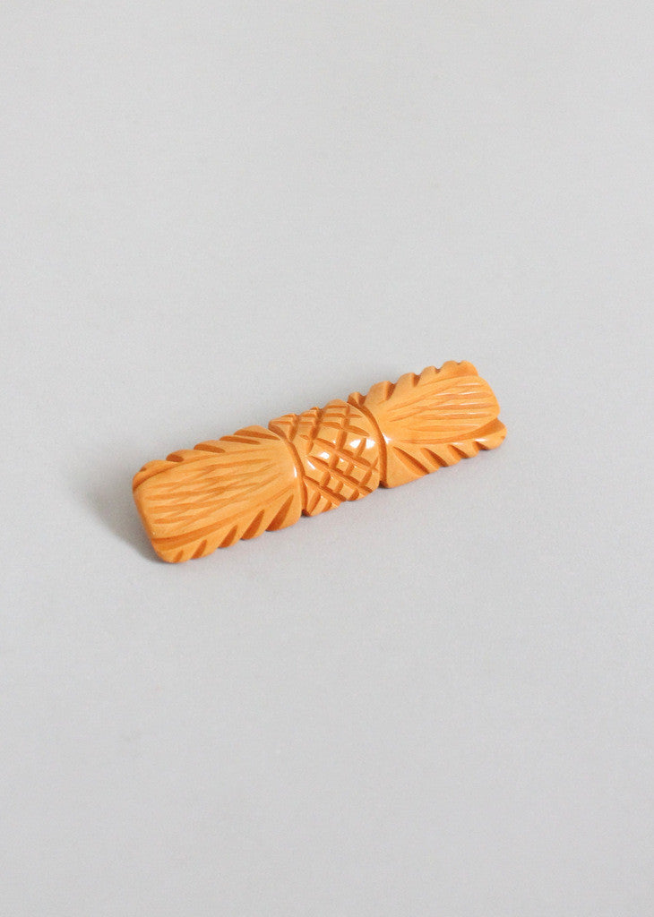 Vintage 1940s Carved Bow Butterscotch Bakelite Brooch