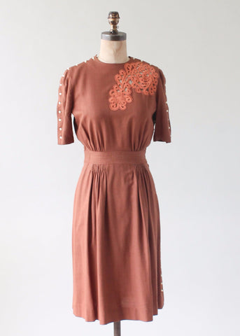 Vintage Early 1940s Cut Out Bodice Linen Day Dress