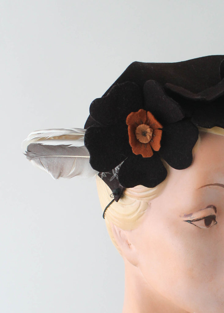 Vintage 1940s Felt Flowers and Feathers Hat