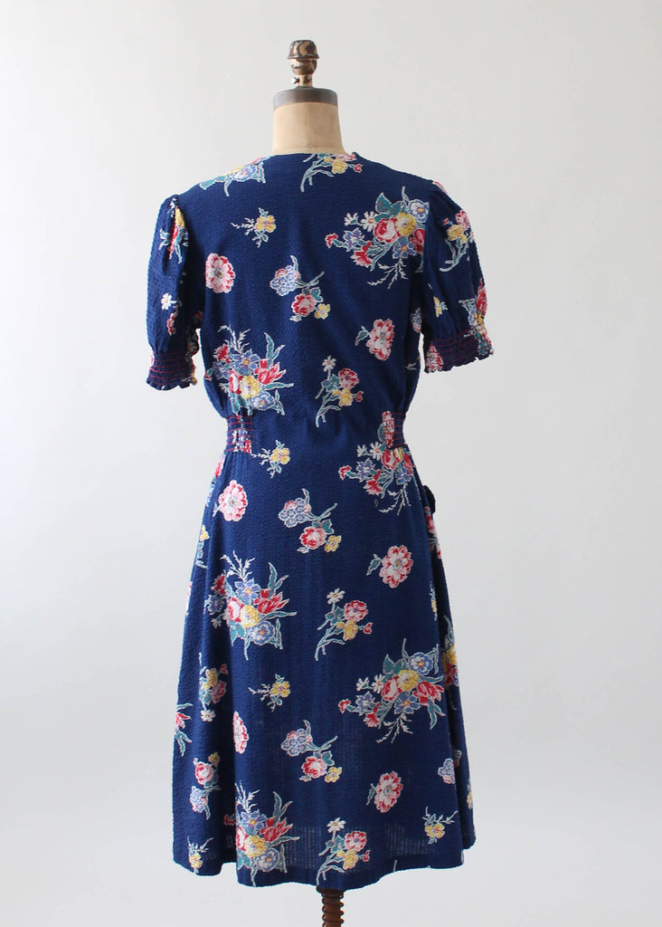 Vintage 1940s Floral Cotton Zip Front Day Dress