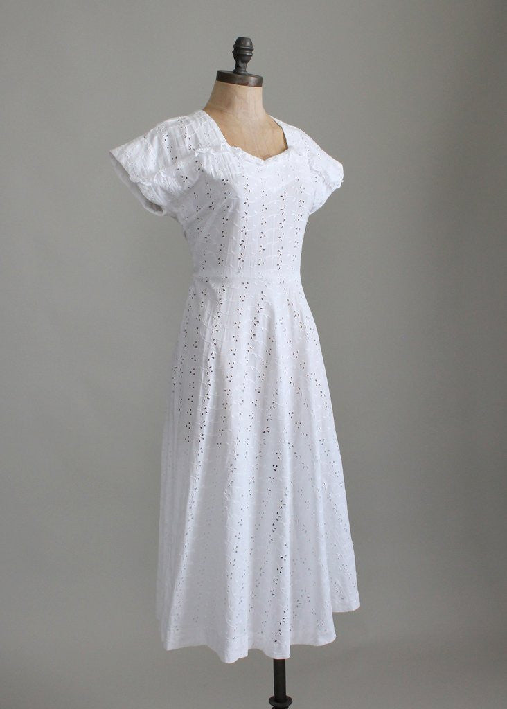 Vintage 1940s Sweetheart Ruffle White Eyelet Dress