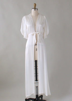 Vintage 1940s White Rayon and Lace Robe