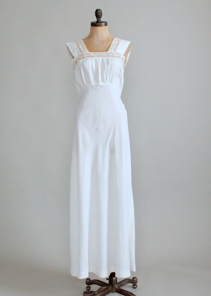 Vintage 1940s White Rayon and Lace Gown