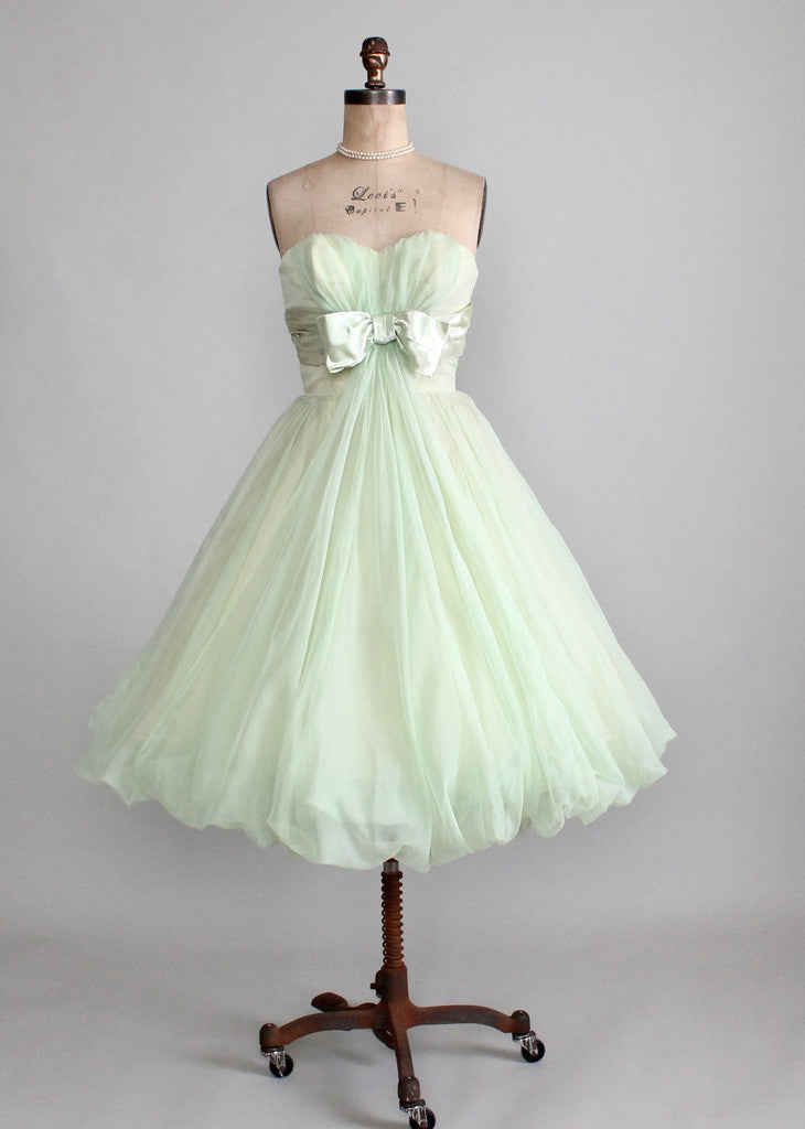 Vintage Early 1960s Minty Green