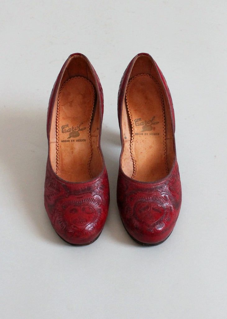 68faa8b780d3a Vintage Early 1950s Mexican Red Tooled Leather Shoes