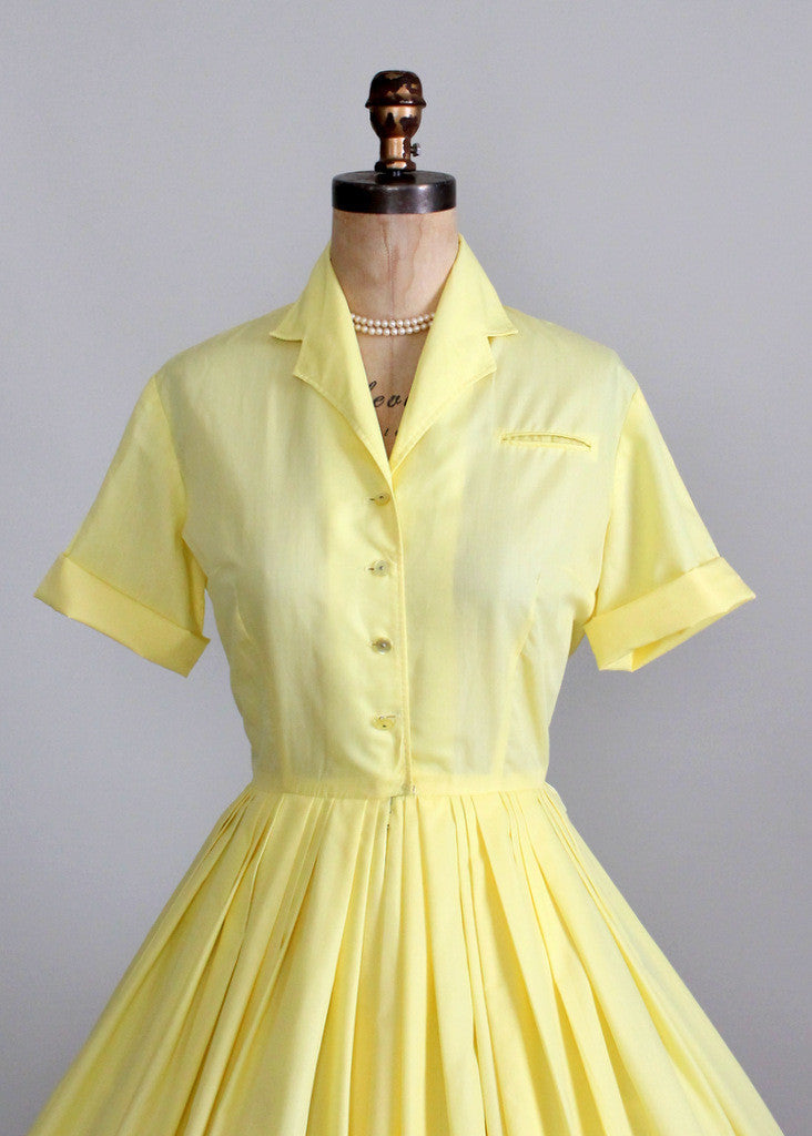 Vintage 1960s Mad Men style day dress