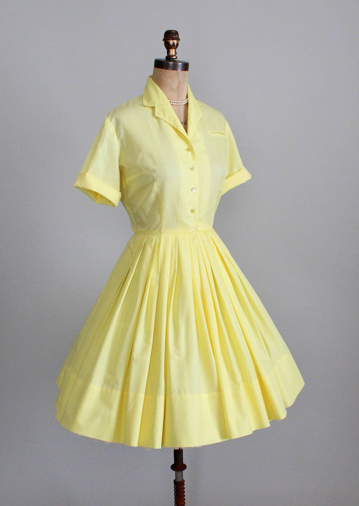 Vintage 1960s Texas shirtwaist day dress