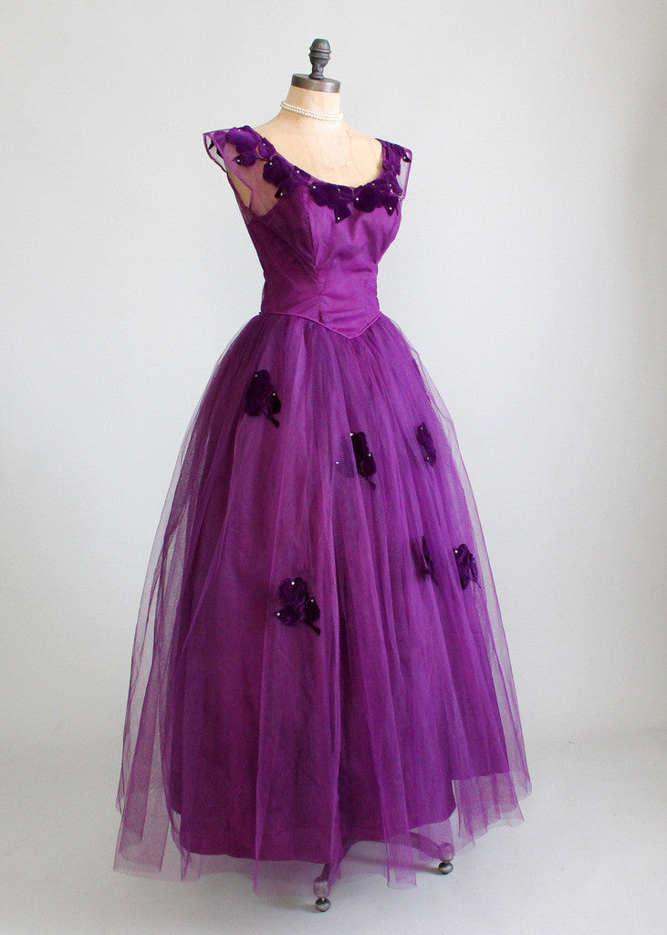 Vintage 1950s purple prom dress