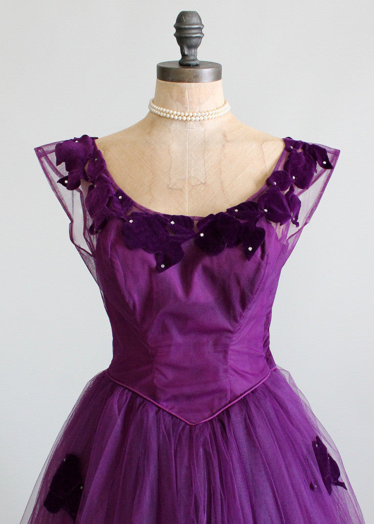 Vintage 1950s tulle and velvet party dress