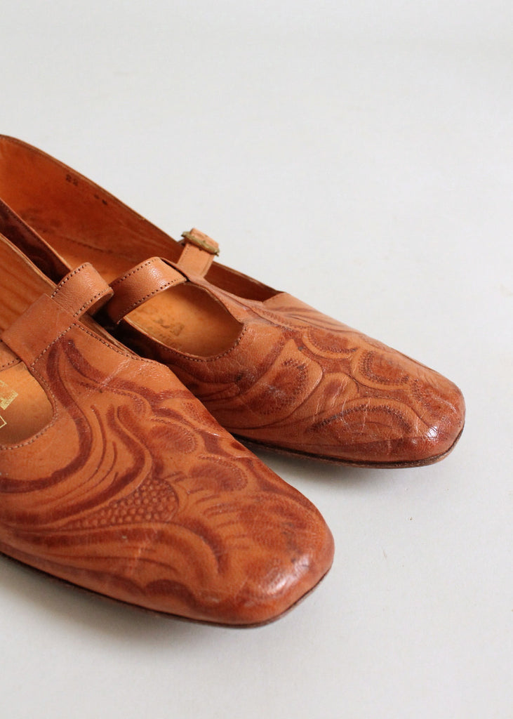 Vintage 1950s Tooled Leather Mary Jane Shoes