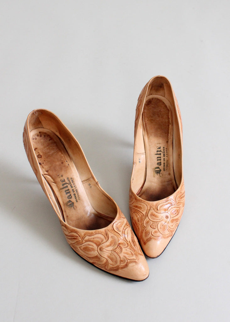 Vintage 1950s tooled leather pumps