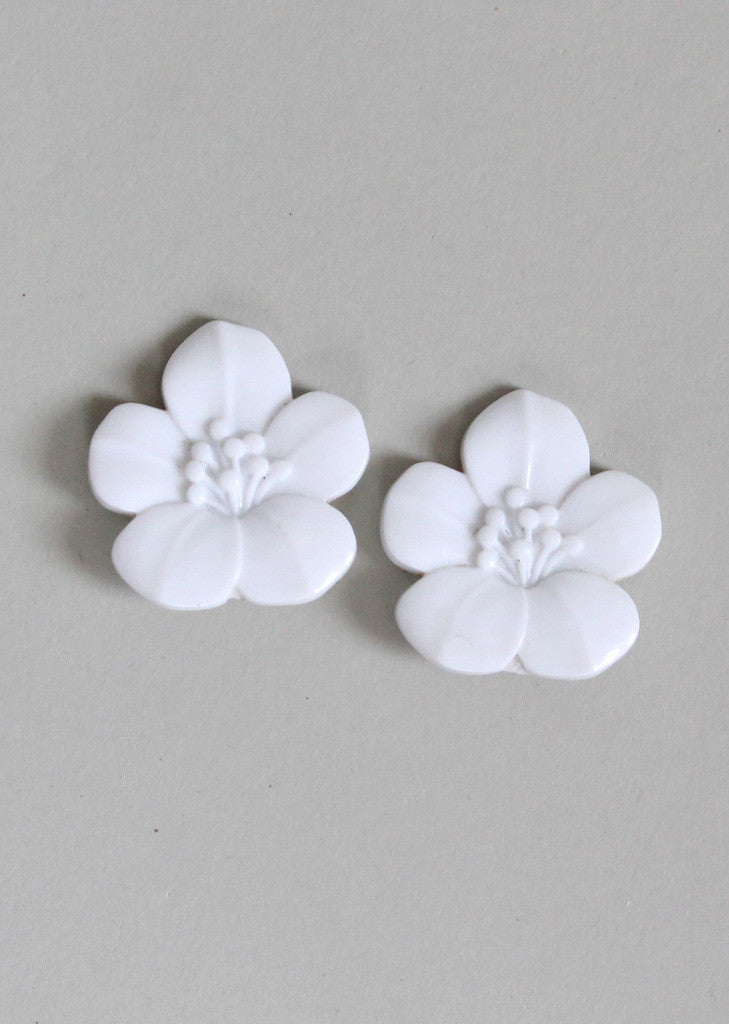 Vintage 1950s White Tropical Flower Earrings