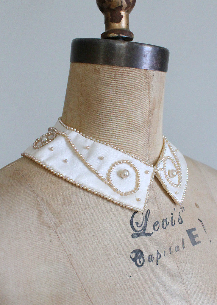 Vintage 1960s Pearl Swirls Beaded Sweater Collar