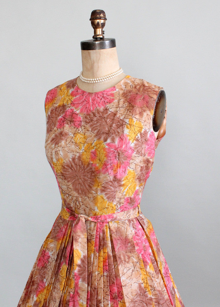 Vintage Early 1960s Sunrise in the Garden Day Dress