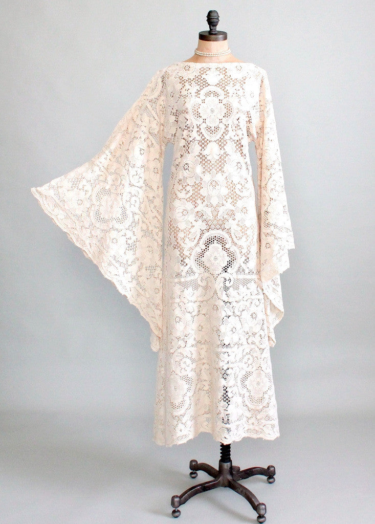 Vintage Early 1970s Quaker Lace Wedding Dress Raleigh