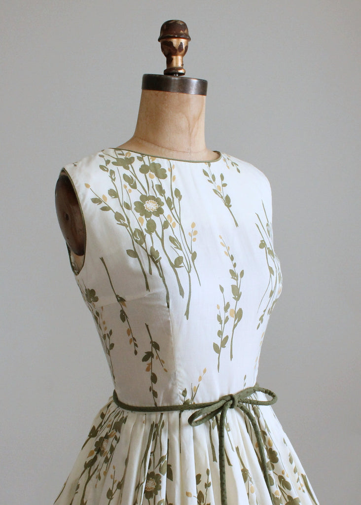 Vintage 1960s Stacey Ames Green Floral Day Dress
