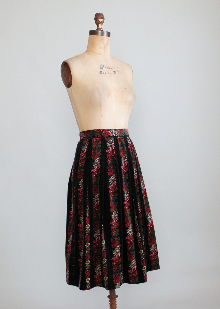 Vintage 1960s Floral Velveteen Pleated Skirt