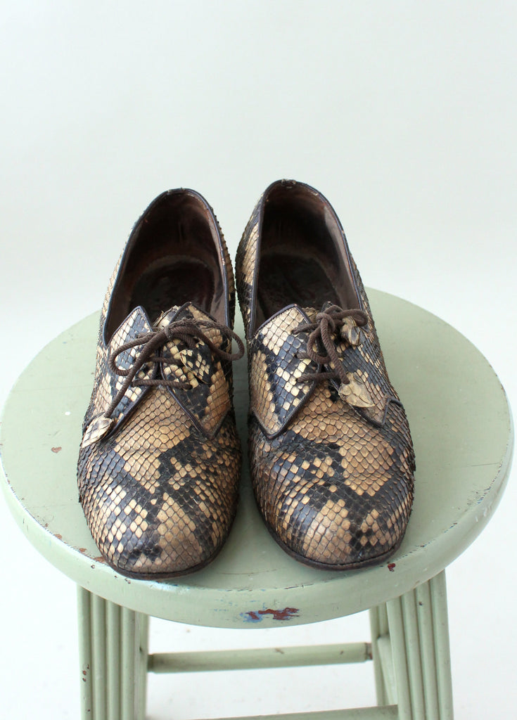 Vintage 1930s Snakeskin Lace Up Loafers