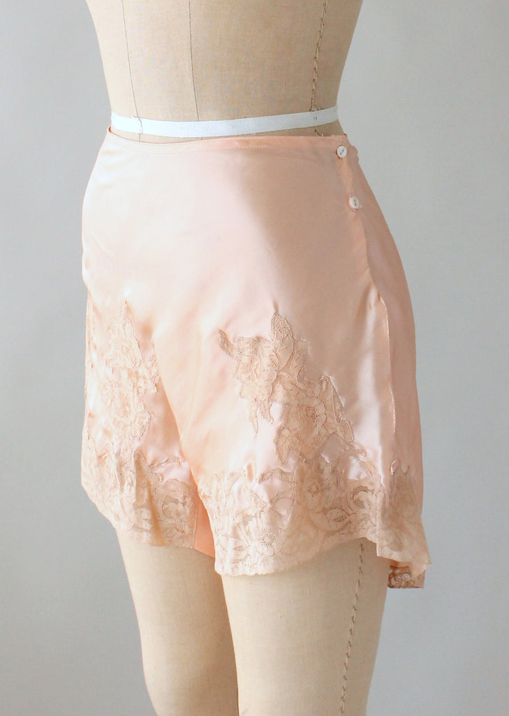 Vintage 1930s NRA Label Peach Silk and Lace Tap Pants NOS