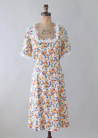 Vintage 1930s Floral Feedsack and Lace Day Dress