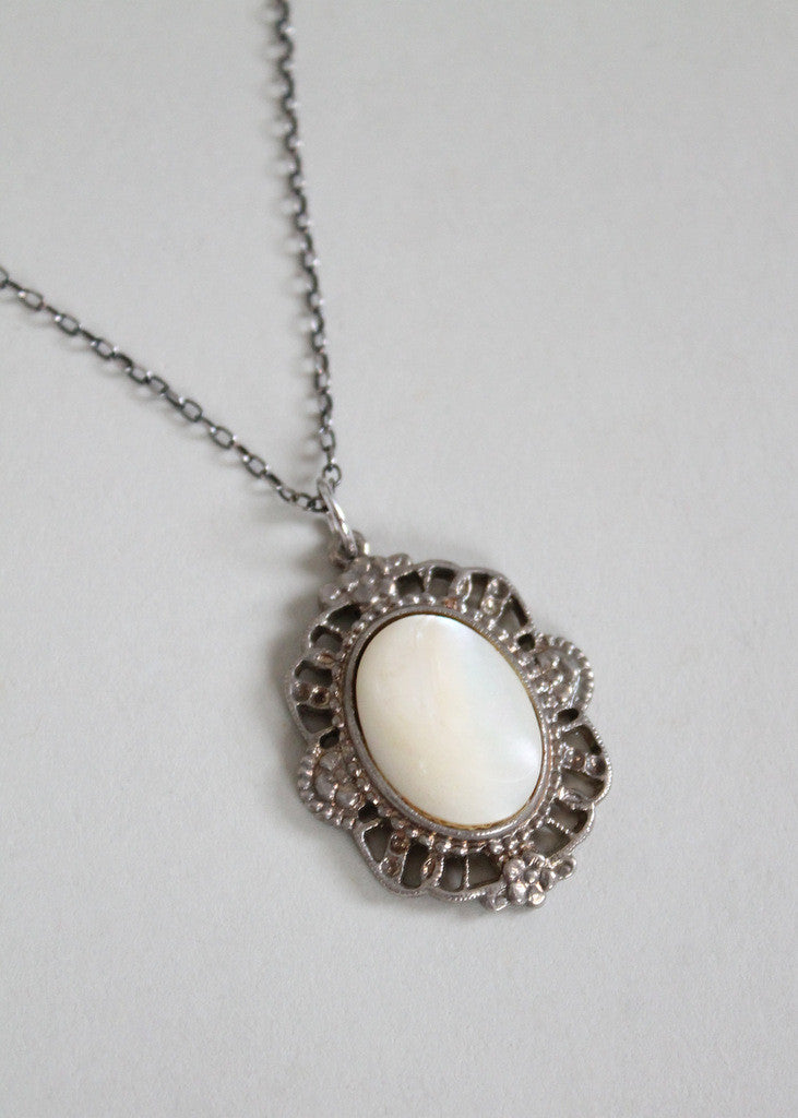 Vintage 1910s Mother of Pearl Pendant Necklace